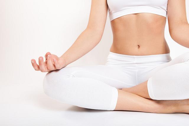 aliviar presion arterial alta yoga