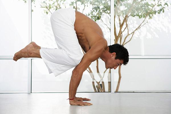 hombres-y-yoga