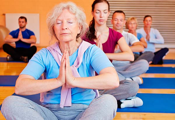 yoga-mayores