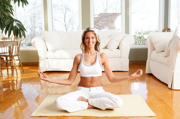 como-hacer-yoga-en-casa