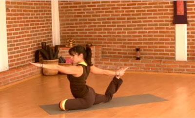 Mejora-tu-Flexibilidad-y-Fuerza-con-YOGA---Clase-Completa