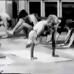 B.K.S.-Iyengar---Clase-avanzada-con-el-maestro-de-Yoga-Iyengar