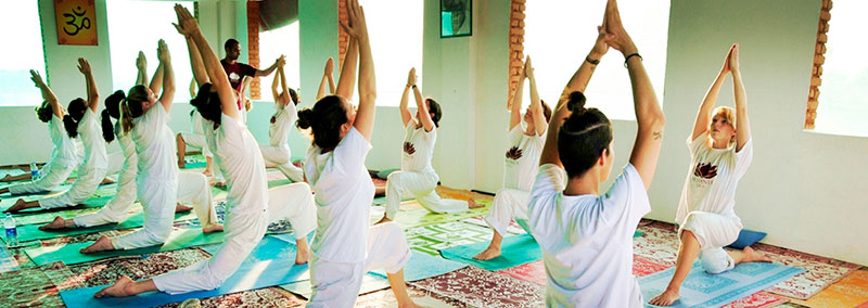 Fundamentos-para-una-practica-productiva-de-asanas-de-yoga